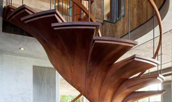 Παραμυθένιες σκάλες από γνήσιο  ξύλο